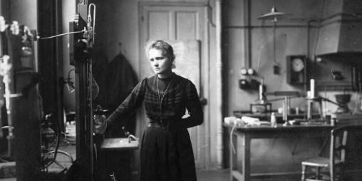 Sur les traces de Marie Curie. Une passionnée de physique et de chimie