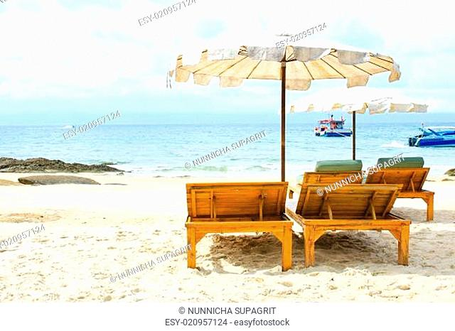 sailcloth beach chairs lounge chair ikea wooden deck stock photos and images age fotostock on tropical white sand