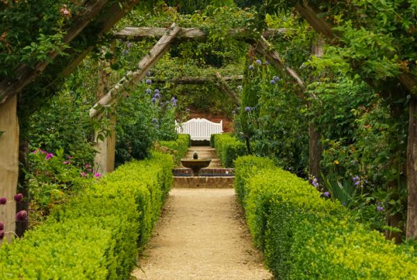 11 types of gardens - English garden