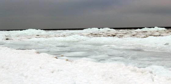Gefrorene Ostsee bei Pobierowo