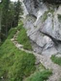 Am Fels entlang