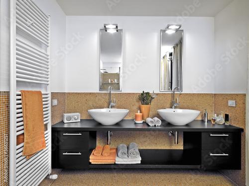 bagno moderno con doppio lavabo Immagini e Fotografie Royalty Free su Fotoliacom  File 36631251