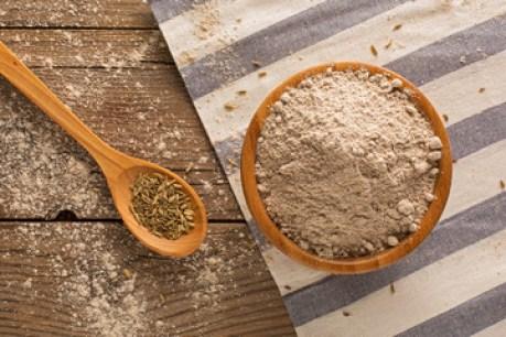 Ingredienti pane al finocchietto