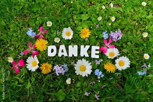 Danke Text auf Blumen Wiese Stockfotos und lizenzfreie