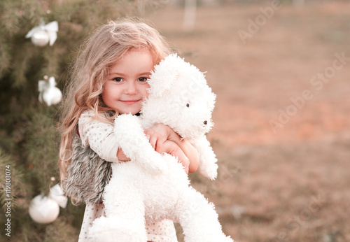 Cute Little Girls Laughing Wallpaper Quot Smiling Baby Girl 4 5 Year Old Holding Teddy Bear