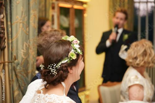Trauzeuge hlt eine Rede fr das Brautpaar Immagini e Fotografie Royalty Free su Fotoliacom