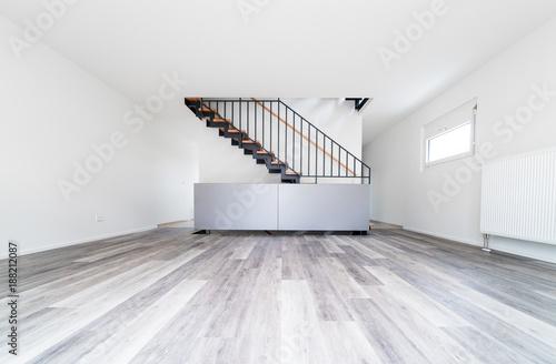 Laminatboden im Wohnzimmer Stockfotos und lizenzfreie Bilder auf Fotoliacom  Bild 188212087