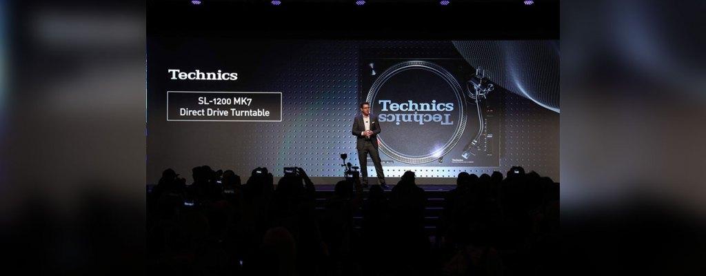 Panasonic devela nueva tornamesa Technics SL-1200 MK7 de motor directo