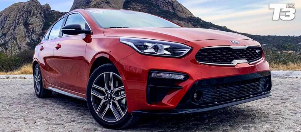 Maneja el nuevo KIA Forte GT Hatchback 2019 Turbo, te encantará