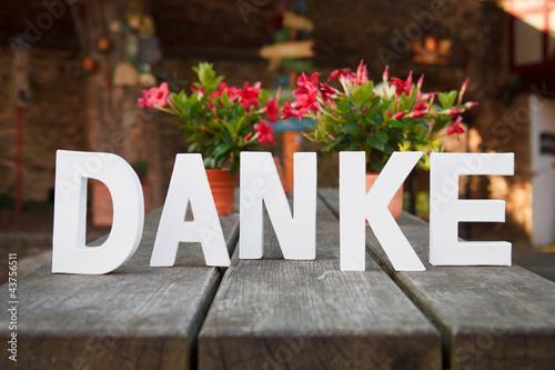 Danke mit Blumen Stockfotos und lizenzfreie Bilder auf