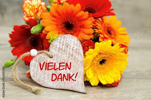 Blumen und Herz Vielen Dank Stockfotos und lizenzfreie