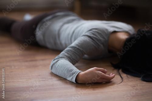 dead woman body lying
