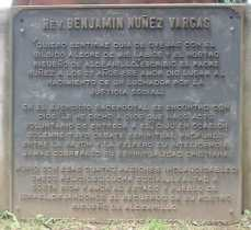 Placa en el Monumento del Padre Núñez en el Parque de Coronado