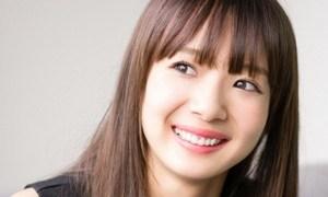 岡田紗佳の猫背は麻雀プロが原因か!彼氏やフライデーのlookとは!