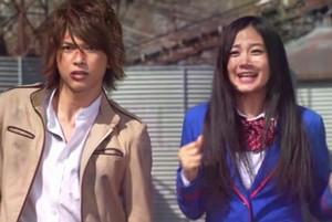 吉沢亮さんと清水富美加さんがプライベートでツーショットなどを撮られているわけではないので、