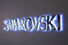 3d-led-backlit-signs-with-mirror-polished-stainless-steel-letter-shell-and-10mm-thickness-acrylic-back-panel-for-swarovskic