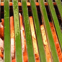 日本初★青竹を使った新しい肉焼き