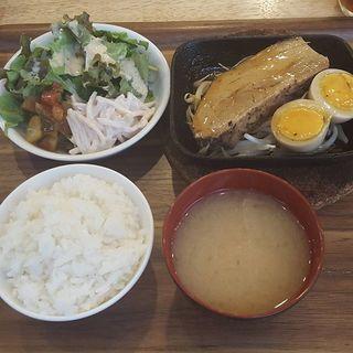 ________Set_meal_of_simmered_pork____________.jpg