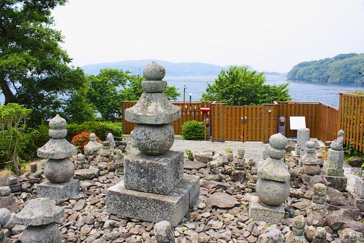 楊貴妃の墓と伝わる五輪塔