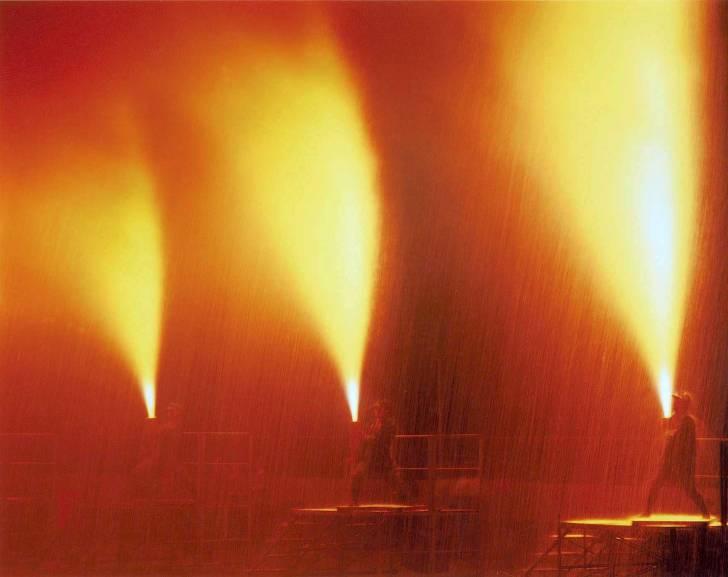 吉田神社に奉納の手筒花火