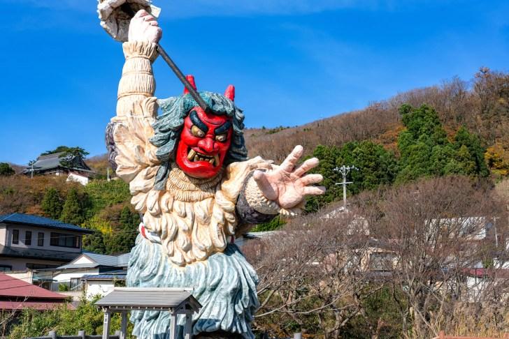 なまはげ立像(門前地区)