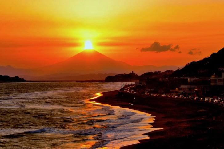 由比ヶ浜・ダイヤモンド富士