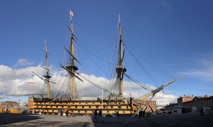 「ビクトリー」(HMS VICTORY)