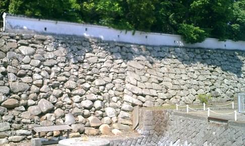 中津城本丸北側・黒田氏時代の石垣