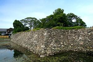 中津城本丸南側・黒田氏時代の石垣