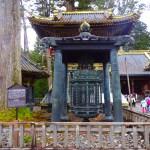 日光東照宮・廻転灯籠(逆紋の廻り灯籠)