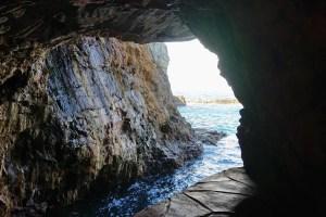 三段壁洞窟