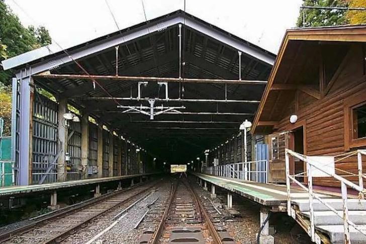 板谷駅(板谷駅スイッチバック遺構)