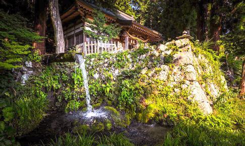 大滝湧水(大滝神社)