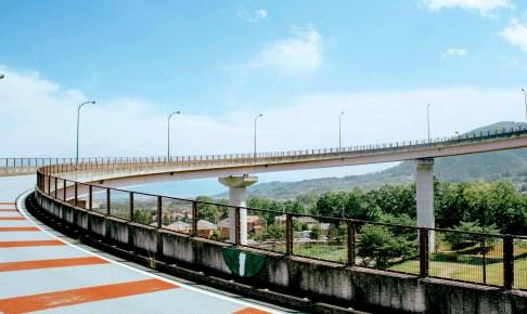白根ループ橋(桃花橋)
