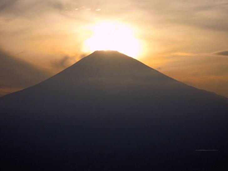 金時山でダイヤモンド富士