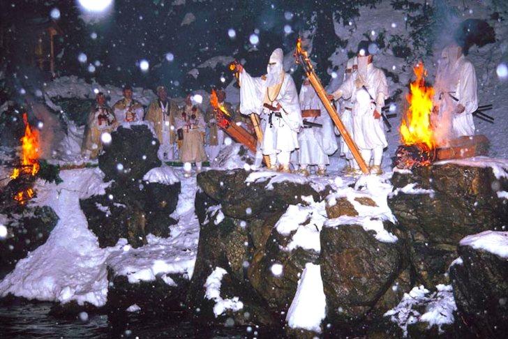 神宮寺『お水送り』