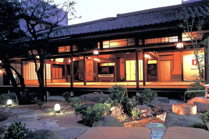 水月ホテル鷗外荘