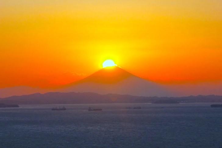 東京湾観音からのダイヤモンド富士
