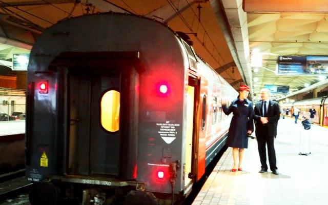 ロシア豪華寝台列車の旅!モスクワからサンクトペテルブルクへ