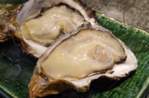 広島県廿日市市宮島町 牡蠣屋(かきや)の生牡蠣