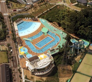 芥川緑地プール
