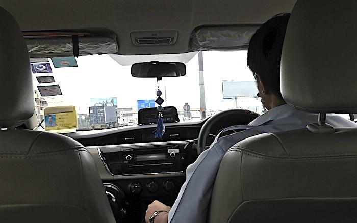 タクシー車内画像
