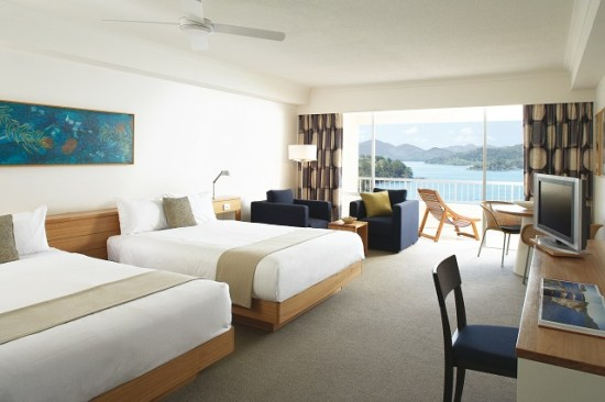 20141008-154-15-hamiltonisland-hotel