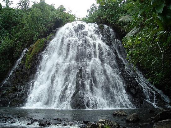 Kepirohi Waterfall, Pohnpei
