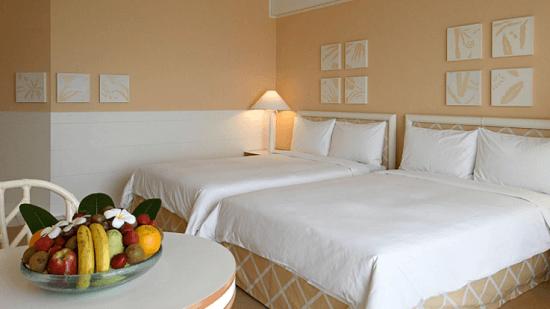 20150310-305-3-saipan-hotel