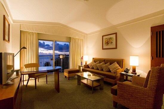20150310-305-9-saipan-hotel
