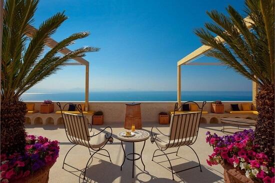 20150327-327-3-amalfi-hotel