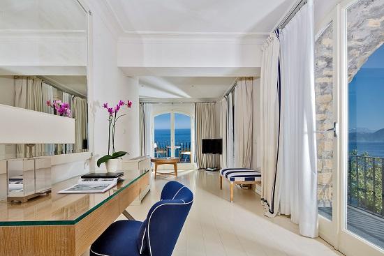 20150610-393-2-capri-island-hotel