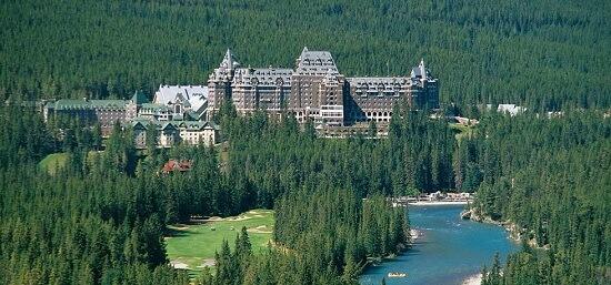 20150821-476-11-banff-hotel