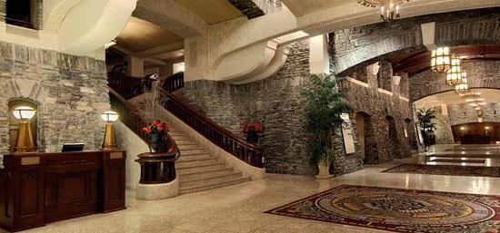 20150821-476-12-banff-hotel